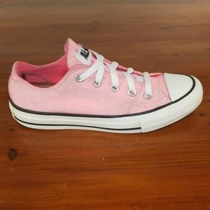 Converse All Star Men's Size 4 Women's Size 6.